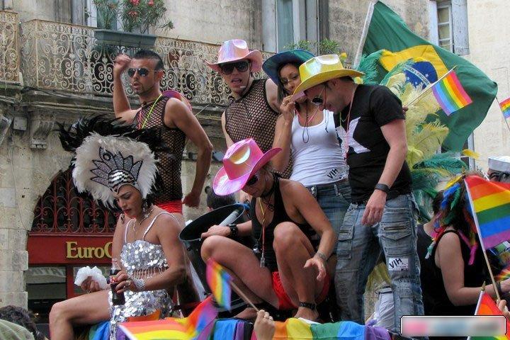 gay pride montpellier hérault Occitanie