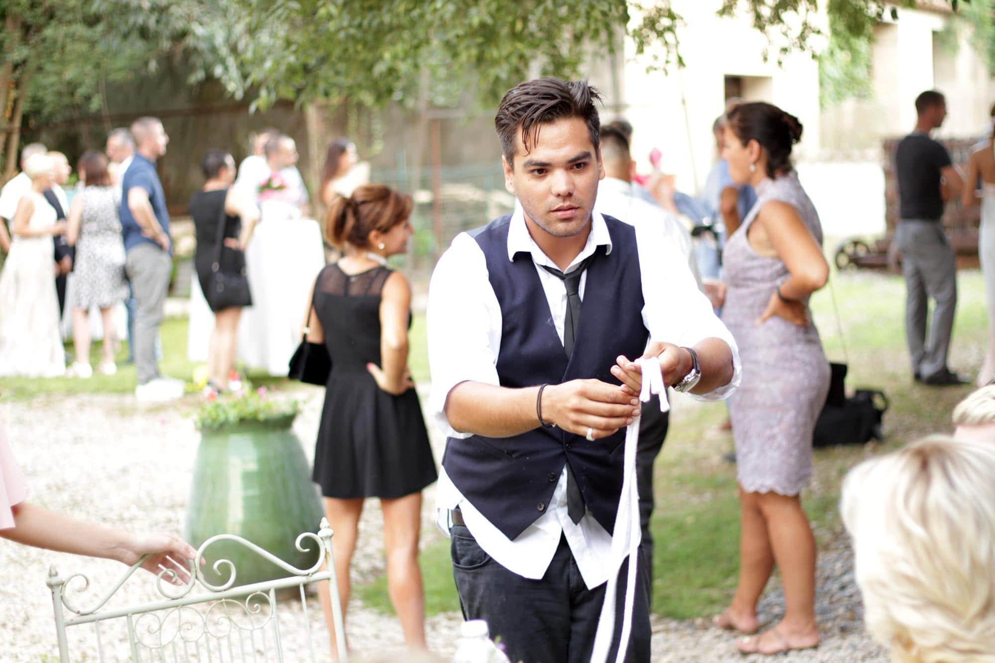 magicien close up mariage Montpellier domaine de saint baudile